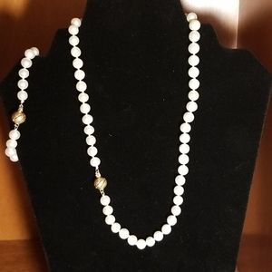 "Jewelry - 18"" Natural White Pearl Necklace, Bracelet Earings"